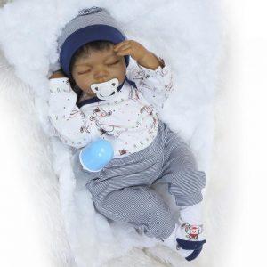 bébé reborn garçon métisse isaac