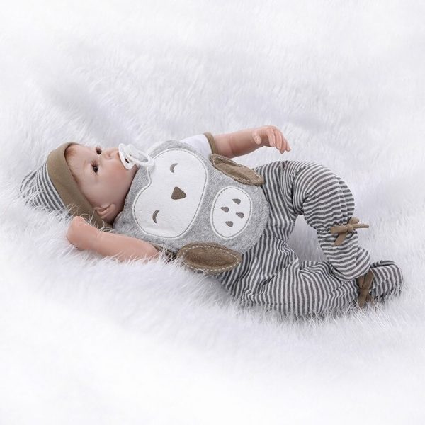 bébé reborn nouveau-né yeux ouverts