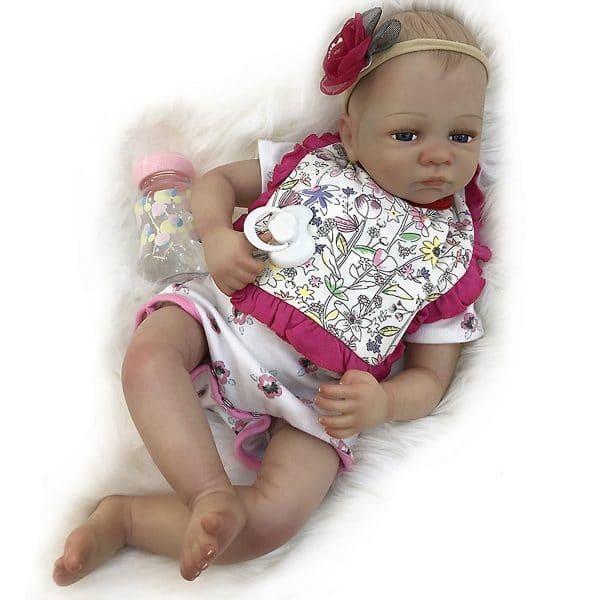 bébé reborn fille réaliste de face