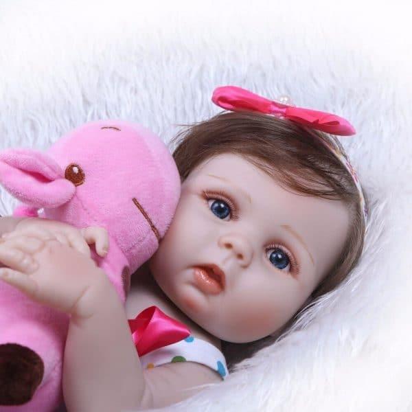 bébé reborn réaliste fille