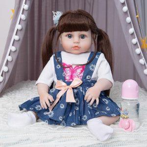 poupée reborn en silicone réaliste