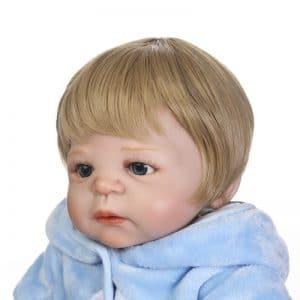 bébé reborn en vinyle de face