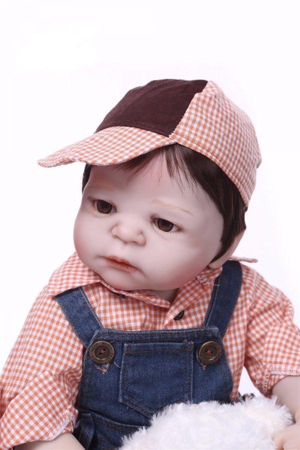 bébé reborn chic de face