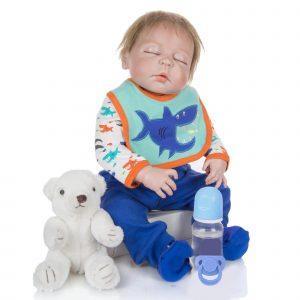 bébé reborn garçon yeux fermés