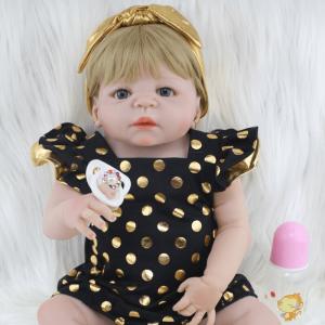 bébé reborn réaliste en silicone de face