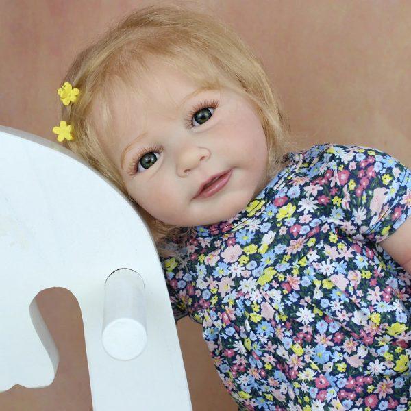 bébé reborn fille blonde