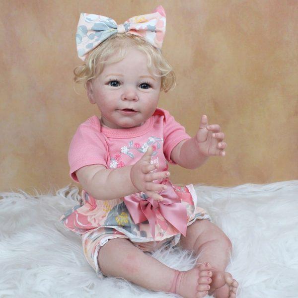 bébé reborn fille blonde réaliste