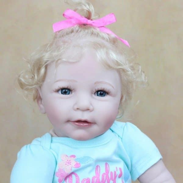 bébé reborn fille silicone de face